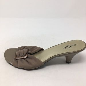 EAST 5TH TAN FABRIC  HEELS 9.5M